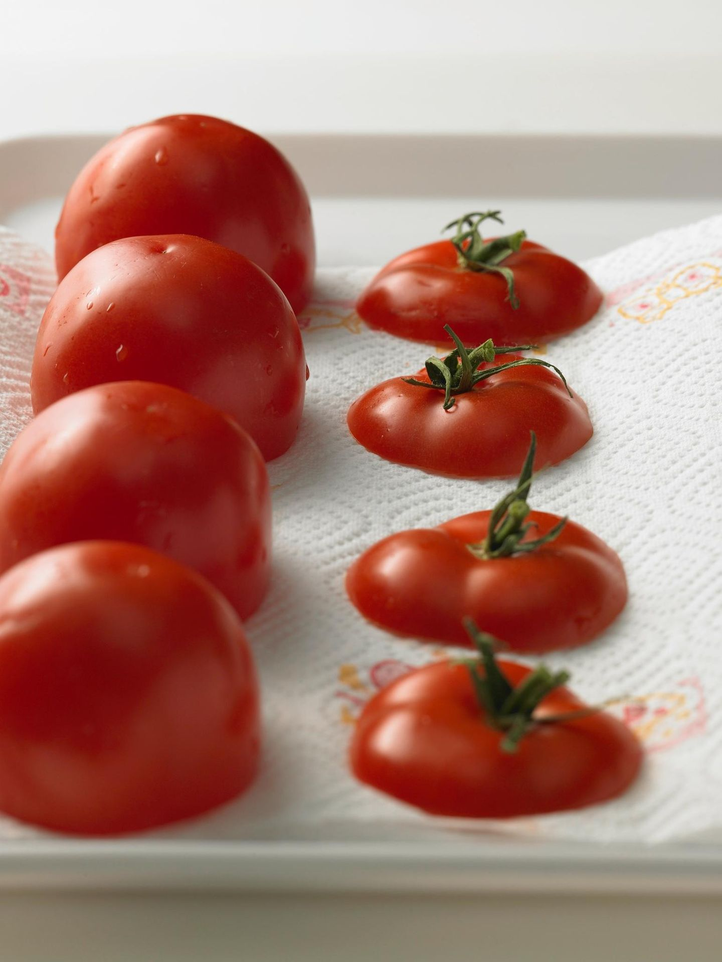 Tomaten abtropfen lassen