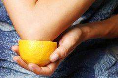 14. Zitronen für zarte Ellenbogen - stimmt das?