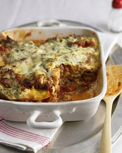 Lasagne über alles! Unsere liebsten Lasagne-Rezepte wurden begeistert angesehen. Zum Beispiel diese Lasagne mit Tomaten, Champignons und Hack, abgeschmeckt mit aromatischer Fenchelsaat - die macht Fleischfans und Gemüsefans gleichermaßen glücklich. Zum Rezept: Lasagne mit Fenchel