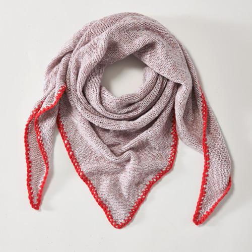 Kaschmirtuch Dreieckig gestrickt mit Häkelkante, 70 x 200 cm. Wolle von Lang Yarns. Hier könnt ihr das Wollpaket für das Sommer-Dreiecks-Tuch bestellen für 135,00 Euro.
