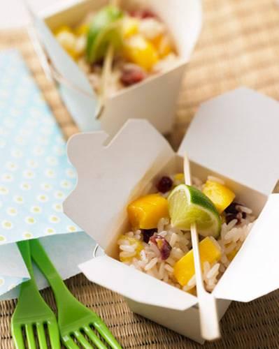 Süßer Reissalat mit Kokosdressing