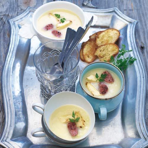 Spargelsuppe mit Merguez-Wurst