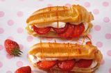 """Die Franzosen nennen das Brandteiggebäck """"Eclair"""", also Blitz. Wir finden """"Liebesknochen"""" besser ? hat mehr Leidenschaft. Zum Rezept: Liebesknochen mit Erdbeeren"""