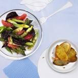 Salat mit grünem Spargel, Grapefruit und roter Bete