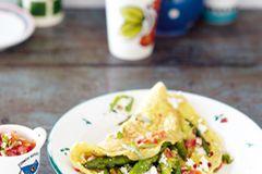 Wenn es für Sie auf dem Teller ruhig etwas schärfer sein darf, wird Ihnen diese Komposition aus Chili und Pfefferbeeren gefallen. Zum Rezept: Spargel-Feta-Omelett mit Tomaten-Salsa