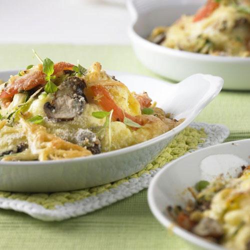 Mit Kartoffelpüree lassen sich nicht nur tolle Landschaften auf dem Teller bauen. Servieren Sie ihn doch mal überbacken - mit Zucchini, Champignons, Tomaten und Käse. Zum Rezept: Überbackenes Kartoffelpüree