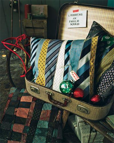 Kissen aus Krawatten