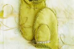 Diese Fäustlinge nähen sich natürlich nicht von ganz allein, aber der Aufwand lohnt sich. Denn diese Handschuhe bringen Sie warm duch den Winter. Zur Anleitung Fäustlinge nähen.