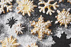 Diese einfachen Plätzchen bringen Marzipan-Fans zum Dahinschmelzen! Zum Rezept: Eiskristalle