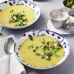 Hier vereinen sich Kerbel, Kresse und neue Kartoffeln. Und dank Magerjoghurt bleibt nach der Suppe sogar noch Platz für ein Dessert...Zum Rezept: Kartoffel-Kresse-Suppe