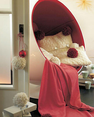 Kissen mit Pompons
