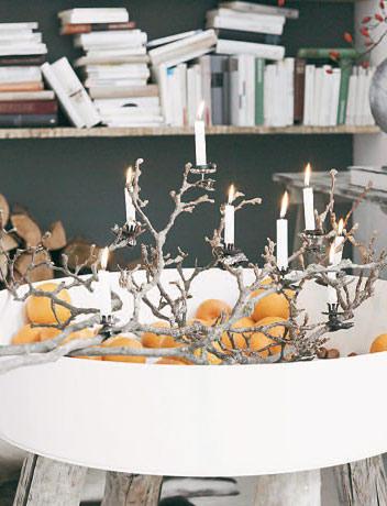 21) Dekozweig mit Kerzen