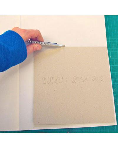 Papier ausschneiden