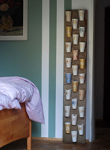 Advent calendar with paper cups