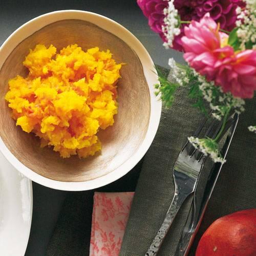 Köstliche Beilage zur herbstlichen Entenbrust: im Ofen gebackener Muskatkürbis. Zum Rezept: Gebackener Kürbis