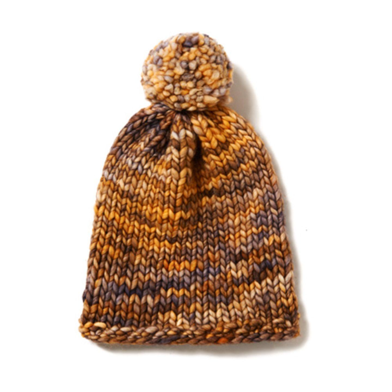 Die trendige Bommelmütze ist aus butterweicher Merinowolle - die hält wunderbar warm und ist super pflegeleicht. Zur Strickanleitung: Melierte Mütze mit Bommel stricken