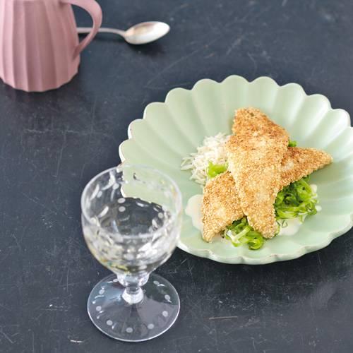 Fein ausgetüftelt - Spitzkohl wurde vor 400 Jahren in Schwaben gezüchtet. Zum Rezept: Sesam-Scholle mit Spitzkohl, Jasminreis und Zitronensauce