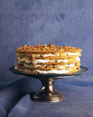 Hier haben Nüsse ihren großen Einsatz: Der knusprige Walnussböden macht den Apfelkuchen in Kombination mit Sahne zu einem Traum. Auch optisch können Sie mit dieser Apfeltorte bestimmt punkten! Zum Rezept: Apfel-Schichttorte