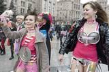 Femen: Mit nackter Haut gegen Sextourismus