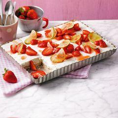 Limetten-Kühlschrank-Torte mit Erdbeeren