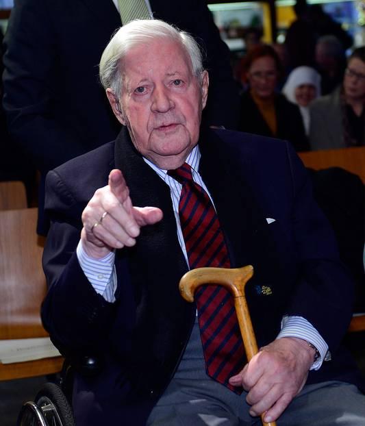 """Helmut Schmidt Zitate: """"Nichts auf der Welt ist zwangsläufig, außer der Abfolge von Tag und Nacht."""""""