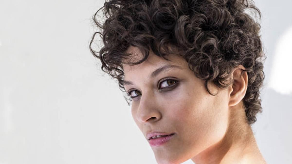 Frisuren Für Eckige Gesichter Die Schönsten Schnitte Und