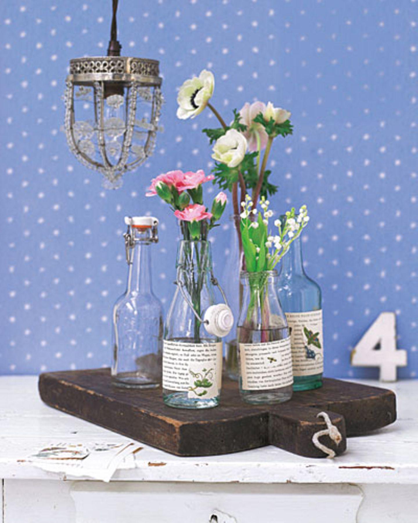 Flaschen als Vasen recyceln