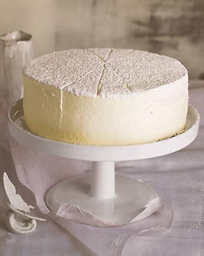 Ein Traum in Weiß und super vorzubereiten: Diese Torte kann sogar eingefroren werden!