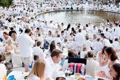 Ganz in Weiß beim Weißen Dinner in Hamburg