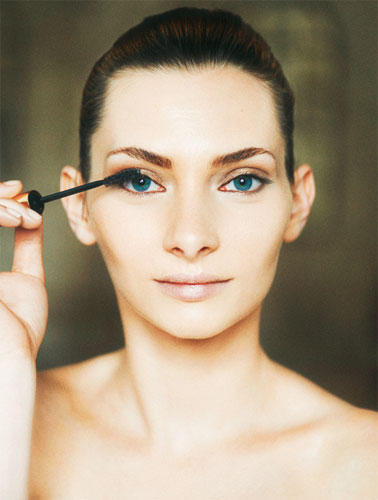 """Tages-Make-up """"Pur"""": Step 4"""