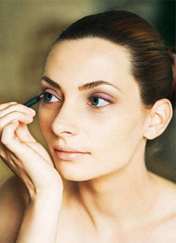 """Tages-Make-up """"Farbe"""": Step 2"""
