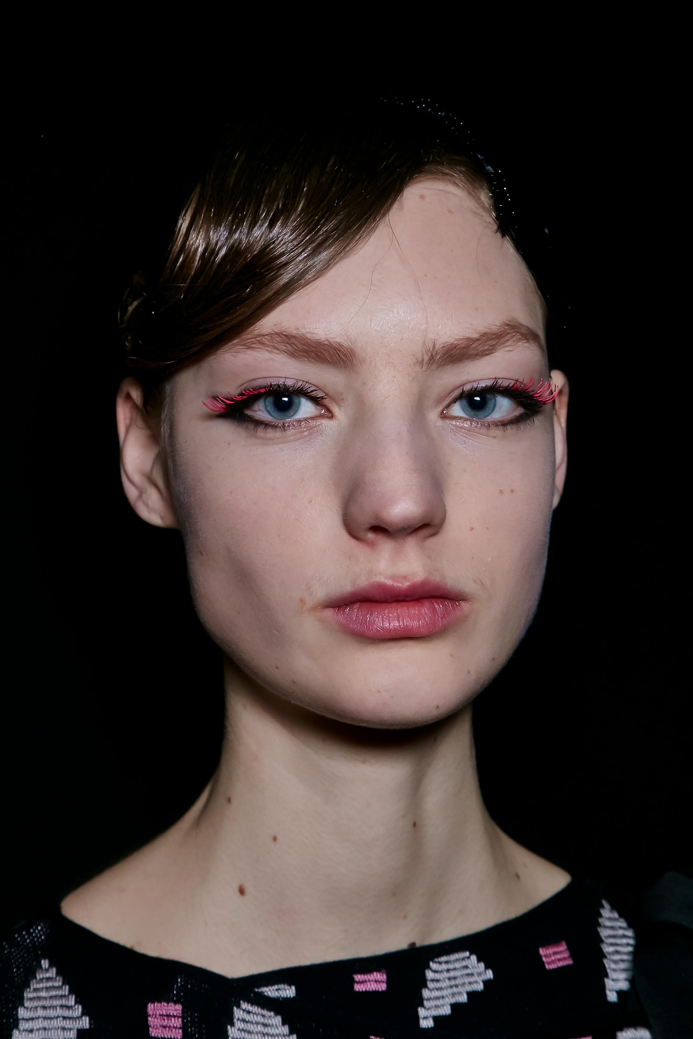 Herbst-Make-up-Trend: Bunte Wimpern bei Emporio Armani