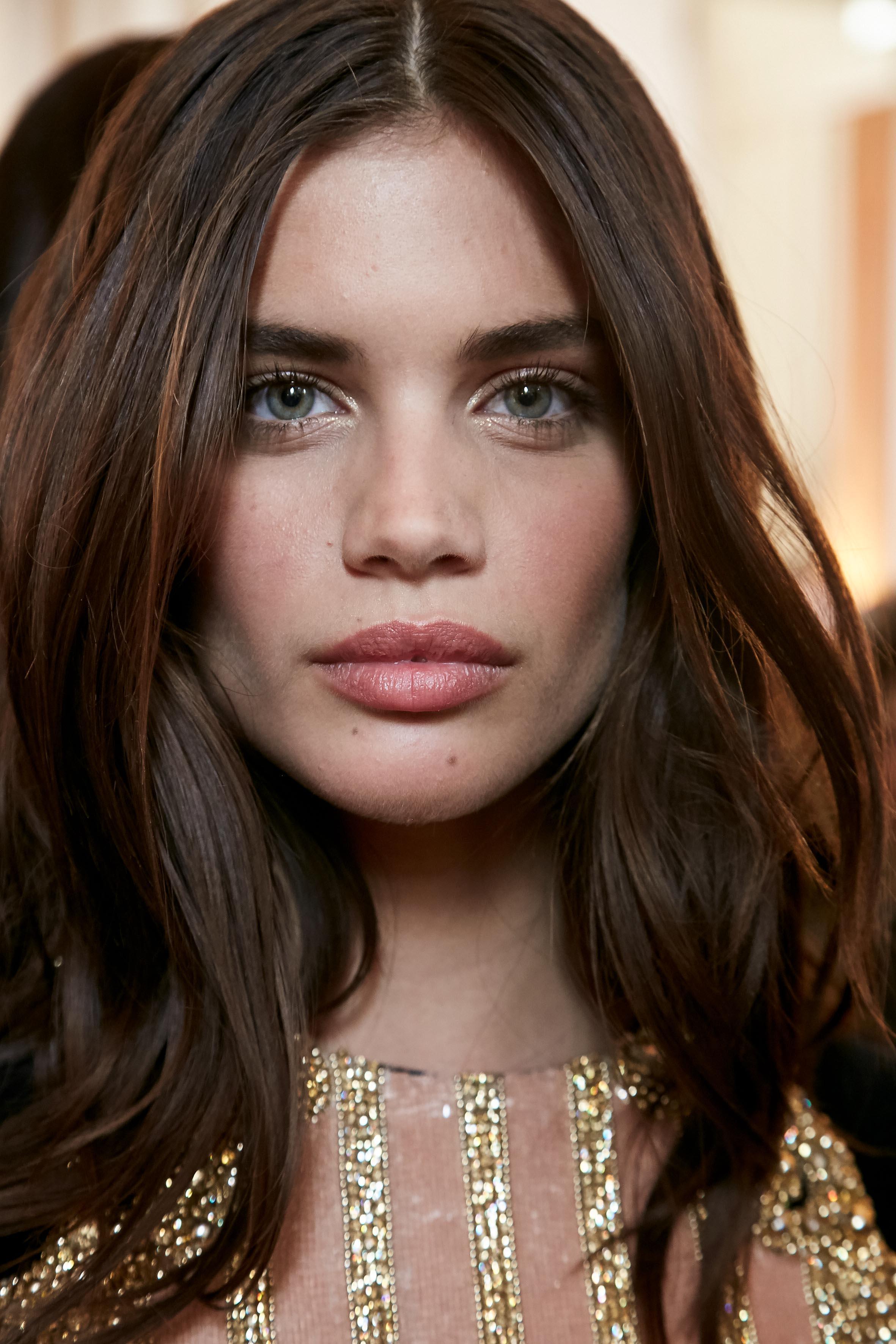 Herbst-Make-up-Trend: Rouge bei Balmain