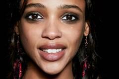 Herbst-Make-up-Trend: Smokey Eyes bei Alberta Ferretti