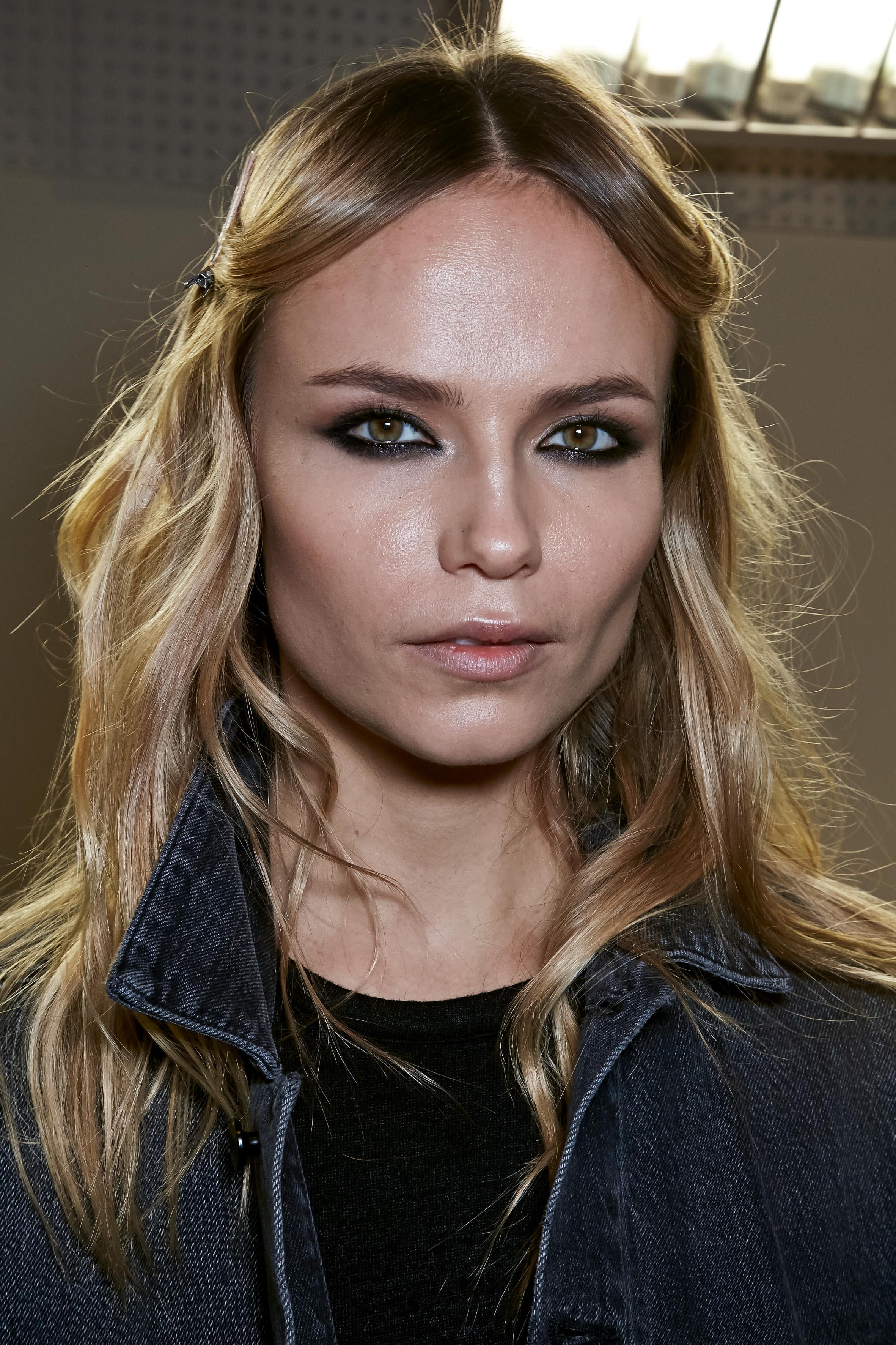 Herbst-Make-up-Trend: Smokey Eyes bei Versace