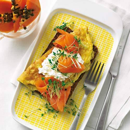 Omelett mit Lachs und Frischkäse