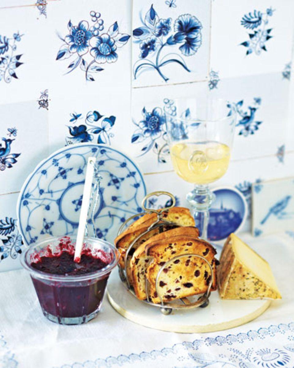 Dieses pikante Chutney ist schnell zubereitet und passt hervorragend zu Käse und Brot. Zum Rezept: Blaubeer-Chutney