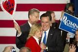 Jetzt ist Ann Romney der Trumpf der Republikaner, der Joker fürs Weiße Haus. Die Amerikanerinnen wählen eher die Demokraten, während die männlichen Wähler den Republikanern näherstehen. Mitt Romney muss dringend einen Teil der weiblichen Stimmen abgreifen, wenn er Obamas Vorsprung unter ihnen einholen möchte. Das ist jetzt Anns Aufgabe. Mehr bei BRIGITTE.de: Michelle Obama: So stylt sich die First Lady Michelle Obama: Die Unverstellte US-Präsidenten: Das Quiz