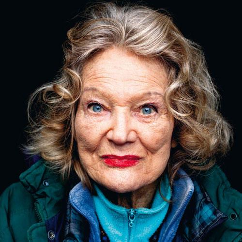 Kapriziöses Aussehen, schwere Halsketten, farbenfrohe Kleidung: Nichts, aber auch gar nichts an Patricia Cavendish O'Neill ist Mittelmaß.