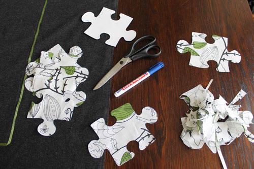 Puzzle-Teile aus Stoff ausschneiden