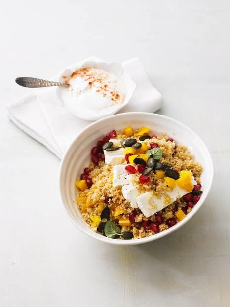 Couscous-Salat mit Granatapfel und Minze