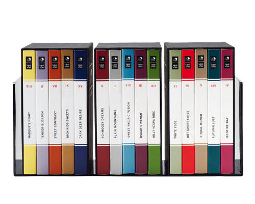 """""""Chocolate Book"""" ist Blickfang, edles Präsent und purer Genuss in einem. Fünf Schokoladen in einem Schuber kosten ca. 25 Euro, www.lappandfao.com"""