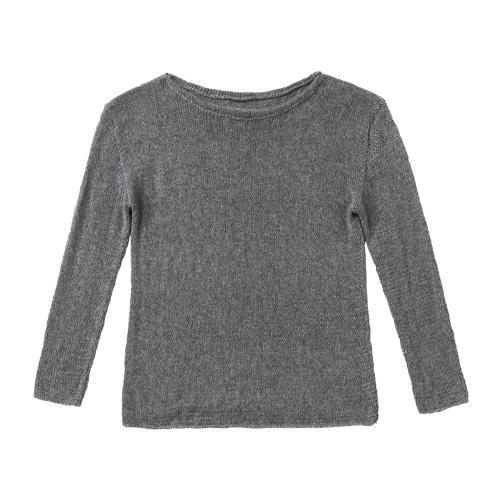 Schlicht und schön, glatt rechts gestrickt und mit Rundausschnitt. Zur Strickanleitung: Kaschmir-Pullover stricken