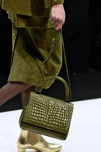 Accessoires: Grün ist auch bei Taschen ein Farbtrend - wie hier auf dem Laufsteg bei Max Mara.