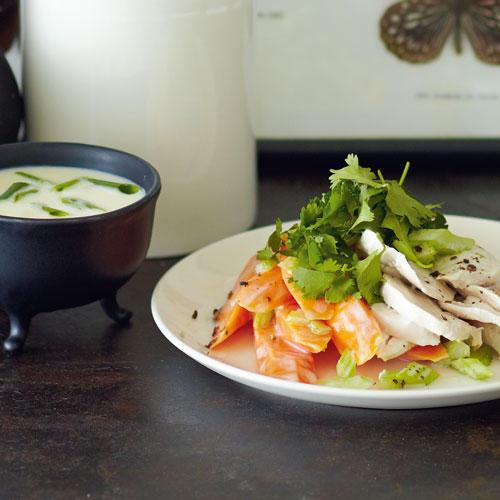 Asia-Vichyssoise & warmer Möhren-Hähnchen-Salat