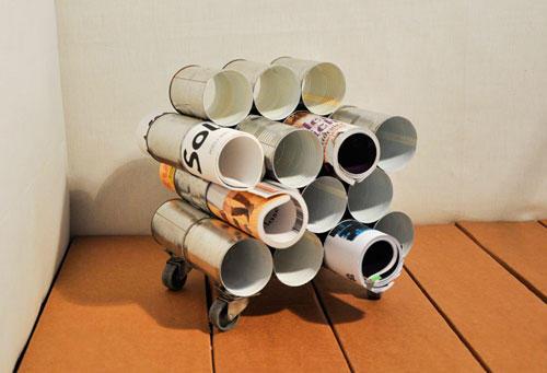 upcycling ideen zum selbermachen mobiler zeitungsstander im garten 40 nutzliche