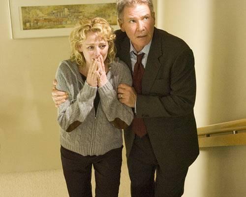 """Hollywood: Harrison Ford ist einer der erfolgreichsten Schauspieler Hollywoods. Nun widmet ihm das ZDF eine vierteilige Montagskino-Reihe. Den Anfang macht am 12. April 2010 um 22:15 Uhr der Thriller """"Firewall"""". Harrison Ford spielt einen Sicherheitsexperten, der von skrupellosen Gangstern erpresst wird."""