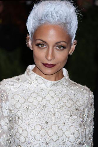 Trend graue Haare: Grau ist das neue Blond