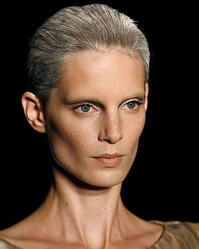 frisurentrend graue haare sind das neue blond. Black Bedroom Furniture Sets. Home Design Ideas