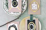 Osterdeko selber machen: Tischkarten auf Ostertisch